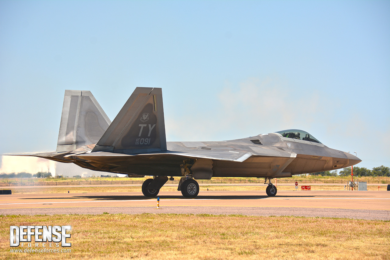 Fort Worth Alliance Air Show 2015 - F-22 - 6