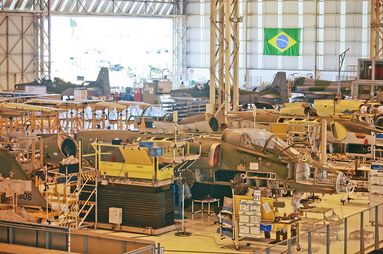 Modernização dos AMX na Embraer