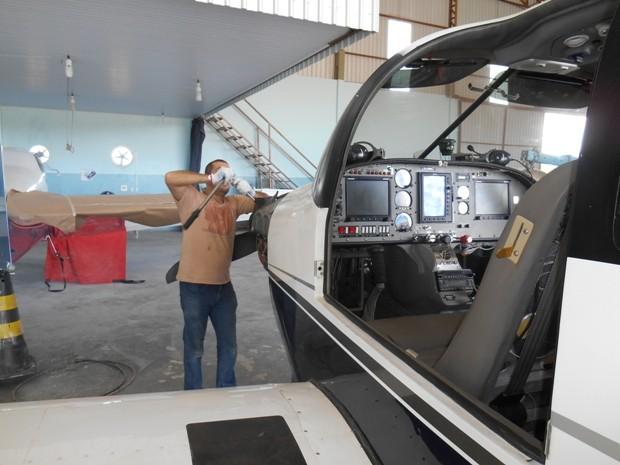 Carpinteiro voltou aos estudos e se formou em engenharia aeronáutica