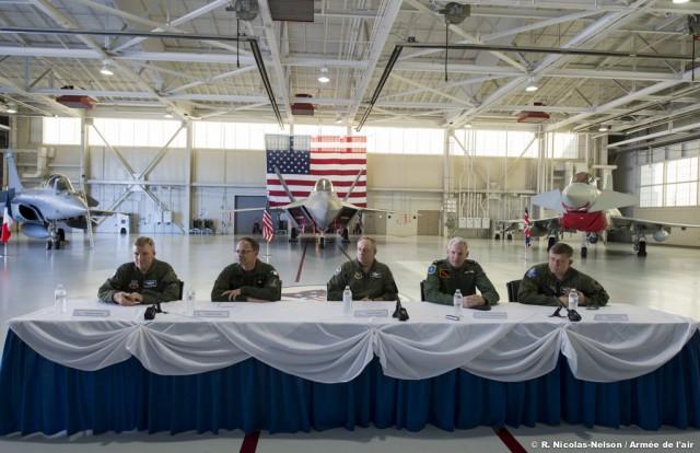 Exercício trilateral em Langley com F-22, Rafale e Typhoon - foto Força Aérea Francesa
