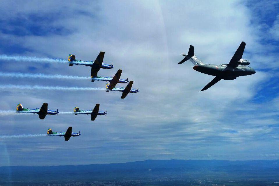 KC-390 e A-29 Super Tucano do EDA - 3
