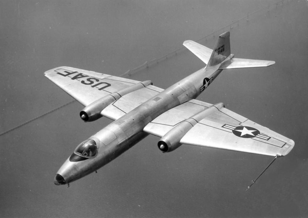 Martin_B-57A_USAF_52-1418