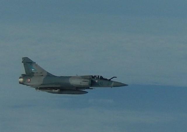 TU-160 russo interceptado por Mirage 2000-5 - detalhe foto 2 Forca Aerea Francesa