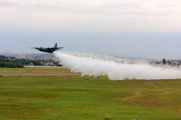 1 GTT realiza exercício de combate a incêndio - FOTO FAB