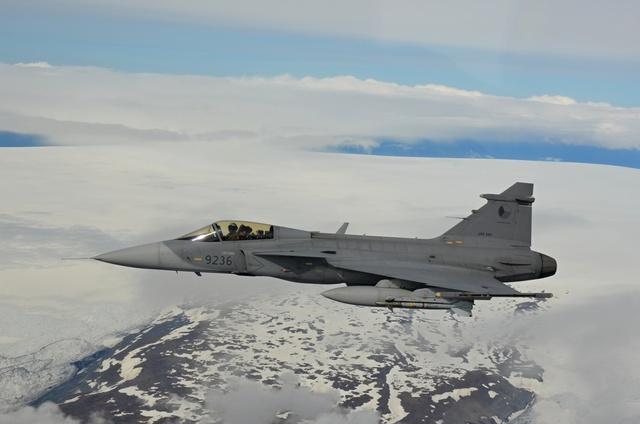 Gripen tcheco em policiamento aereo da Islandia - foto 4 MD Rep Tcheca