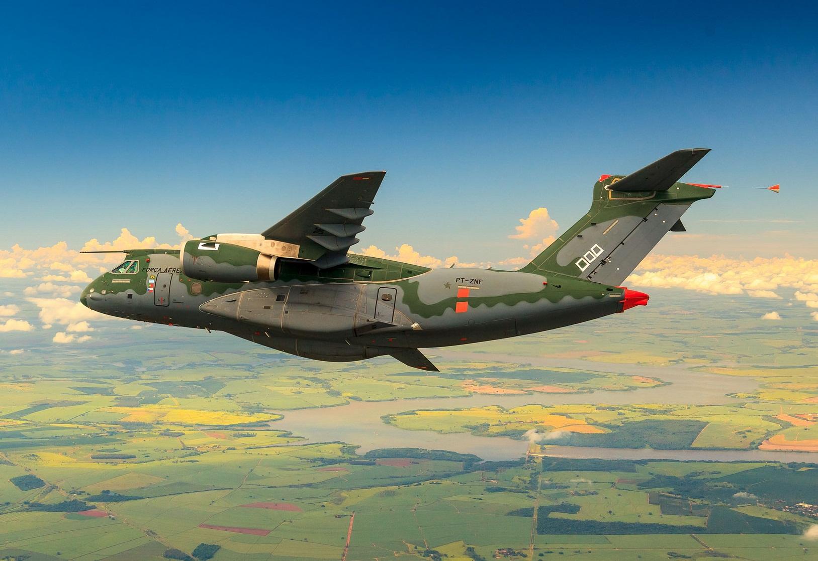 KC-390 em voo no interior de São Paulo - foto FAB - Sgt Batista