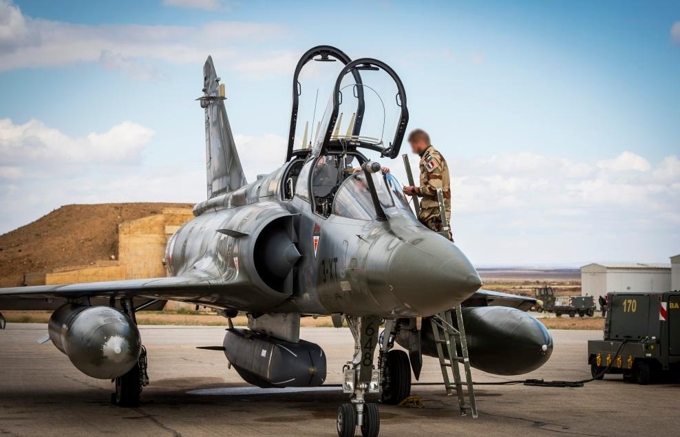 Mirage 2000D com SCALP - foto Min Def Frances