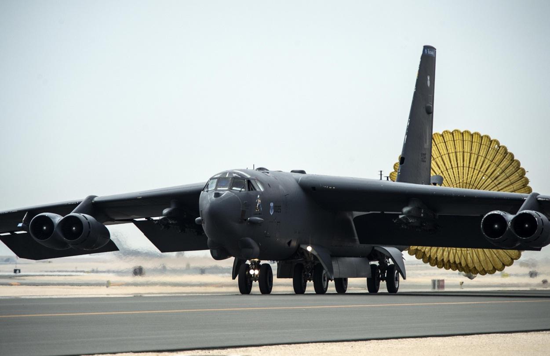 B-52 - pouso Base Al Udeid no Qatar - foto USAF