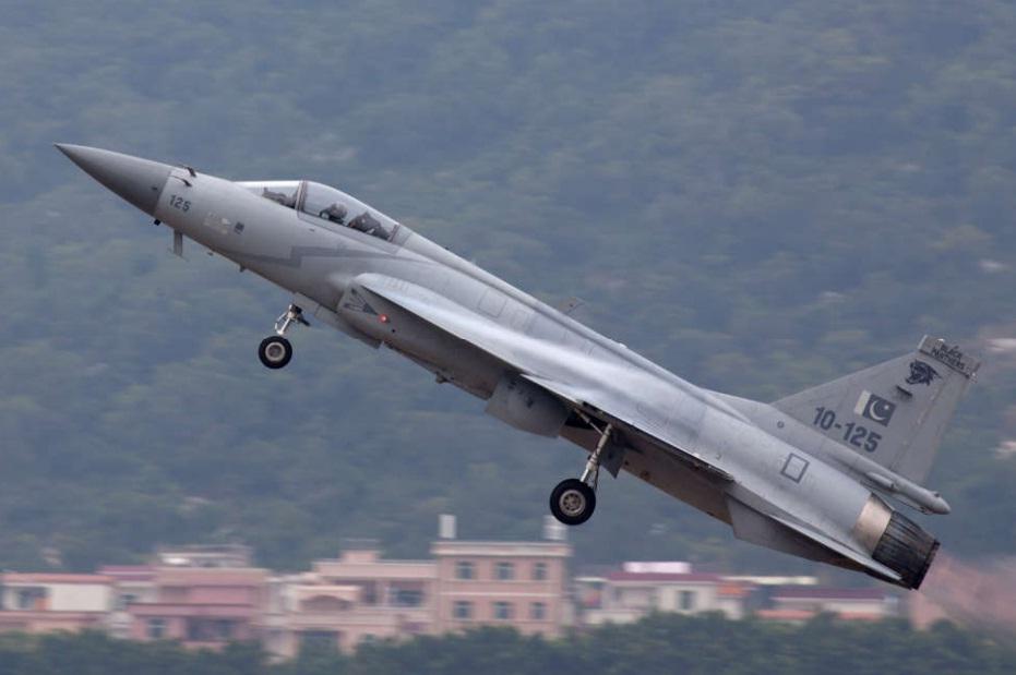 JF-17 - foto 2 PAF