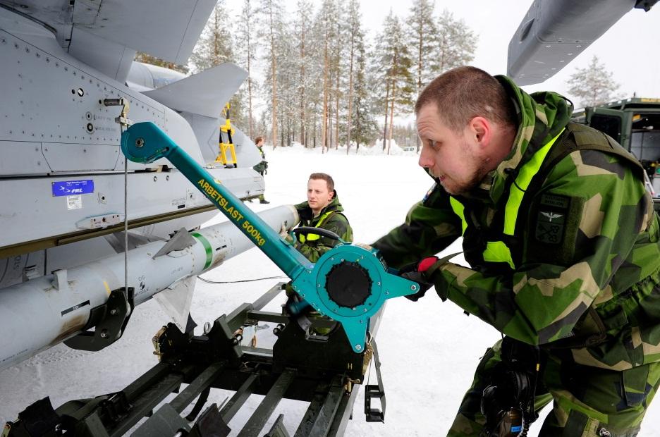 Novo conceito apoio Gripen desdobrado - foto 8 Forças Armadas Suecas