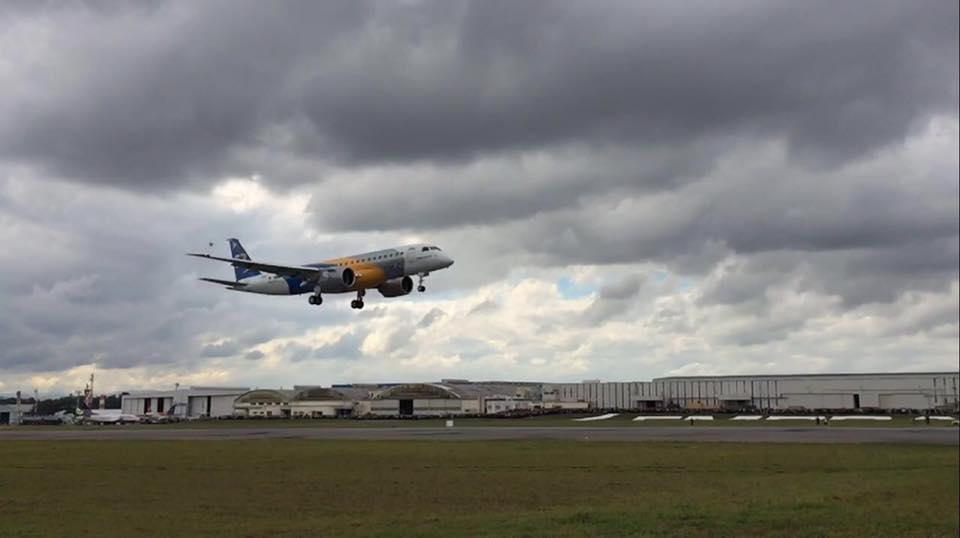 E190 E-2 primeiro voo - 23-5-2016 - foto 2 Embraer