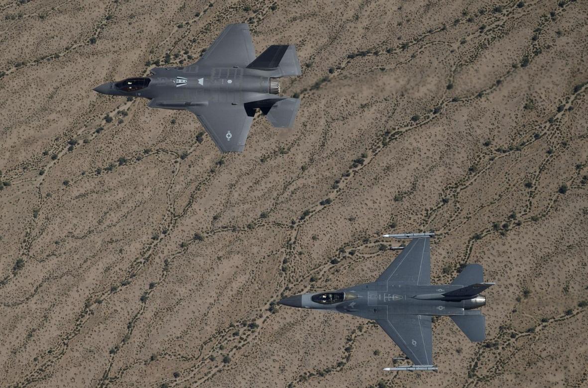 F-35A e F-16 - foto Lockheed Martin