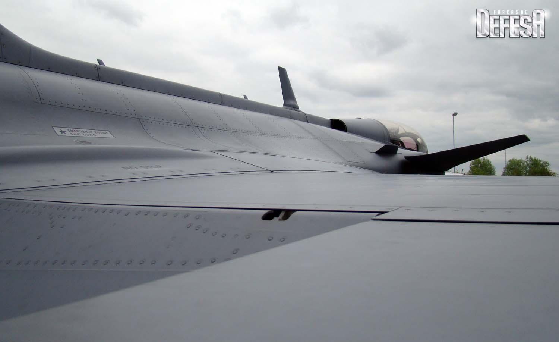 Gripen C 39-261 com Meteor SDB e IRIS-T em 18-5-2016 - foto 16 Nunao Poder Aereo