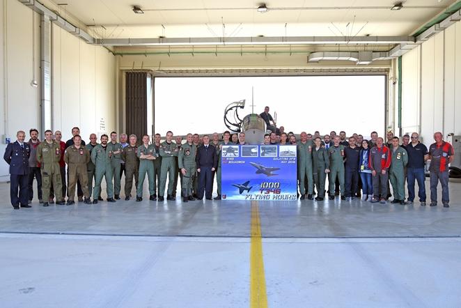 Jato treinadore T-346 - 1000 horas de voo - foto Forca Aerea Italiana