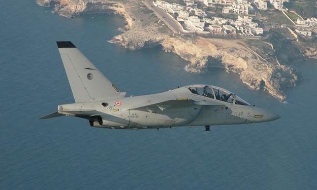 Jato treinador T-346 - foto Forca Aerea Italiana