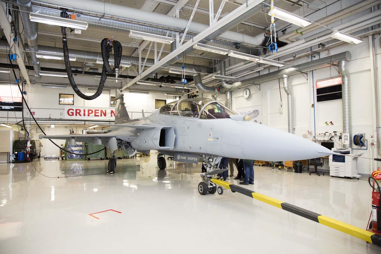 Visita hangar testes Saab 19-5-2016 - foto 14 Saab