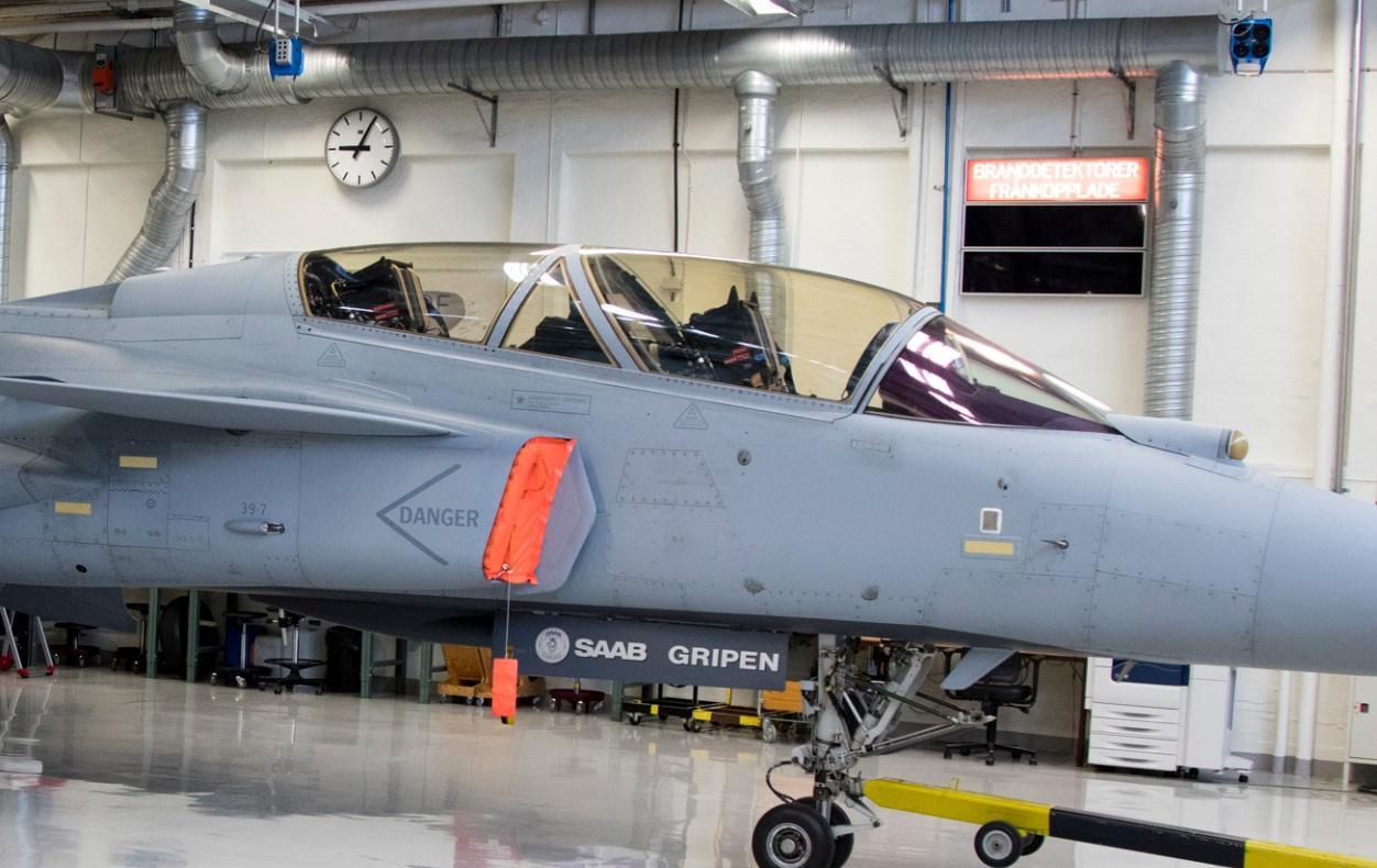 Visita hangar testes Saab 19-5-2016 - foto 2b Saab