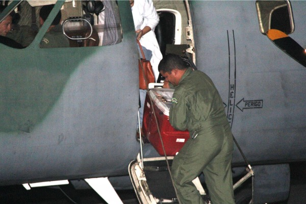 Aeronave Bandeirante em missao de transporte de orgao - foto 2 FAB
