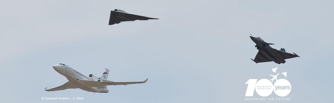 Neuron com Rafale e Falcon - foto Dassault com selo 100 anos