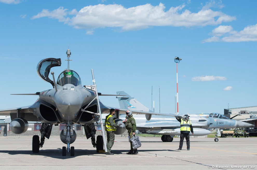 Rafale e Mirage 2000-5 na Maple Flag no Canada - foto Forca Aerea Francesa