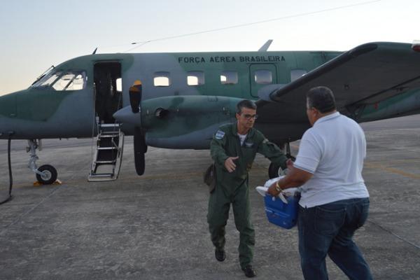 Transporte de figado por C-95 do Esquadrao Pastor - foto FAB
