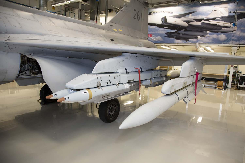 Visita hangar testes Saab 19-5-2016 - foto 12 Saab