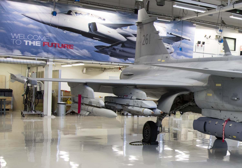 Visita hangar testes Saab 19-5-2016 - foto 5a Saab