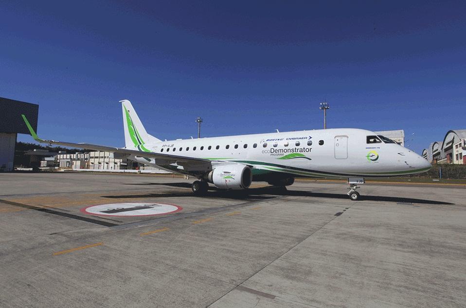 Embraer E170 Ecodemonstrator - ecodemonstrador - foto 2 via Boeing