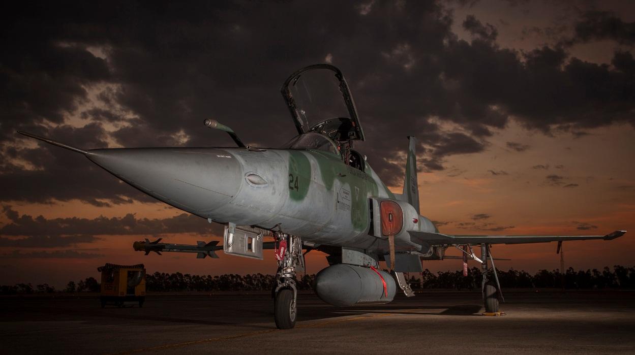 F-5EM - foto FAB