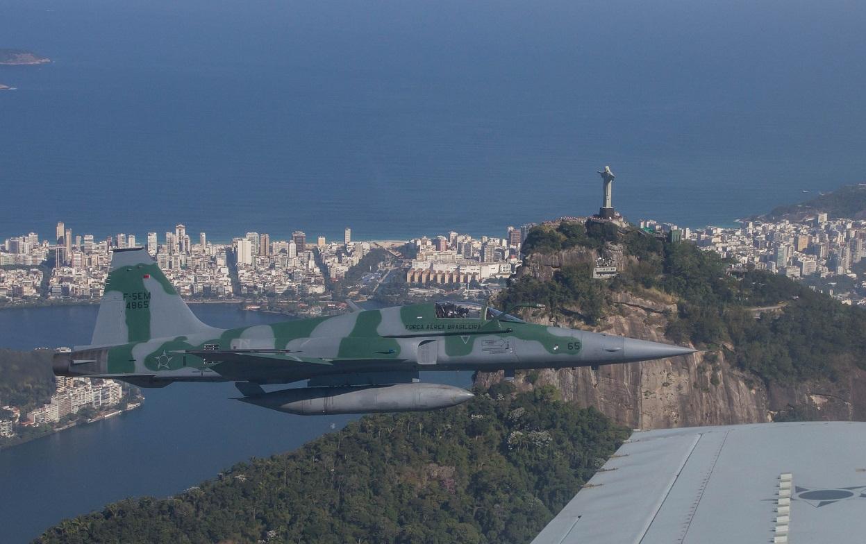F-5EM exercicio interceptacao para Olimpiadas - foto 5 FAB cb V Santos
