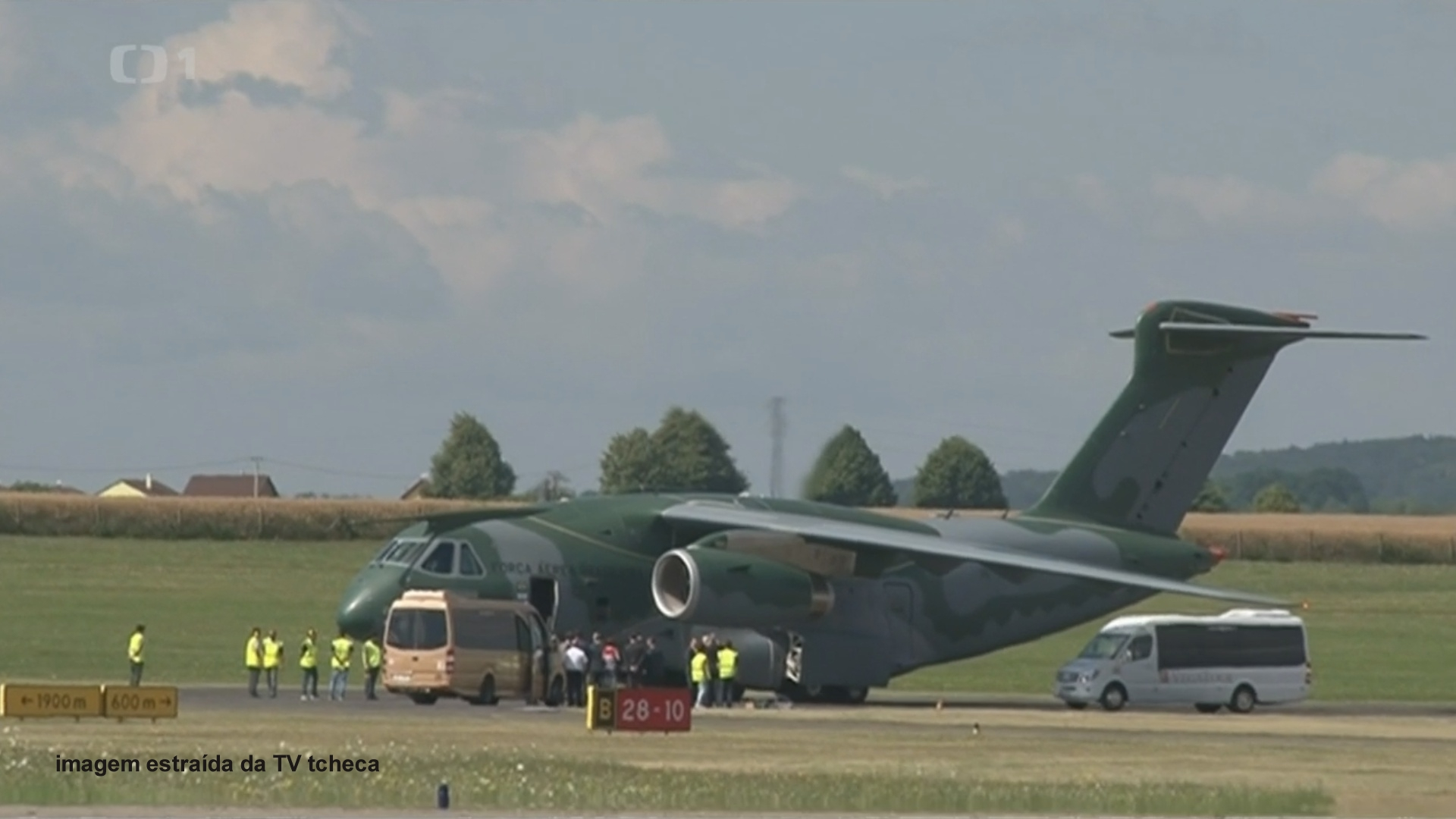 KC-390 foto TV tcheca01