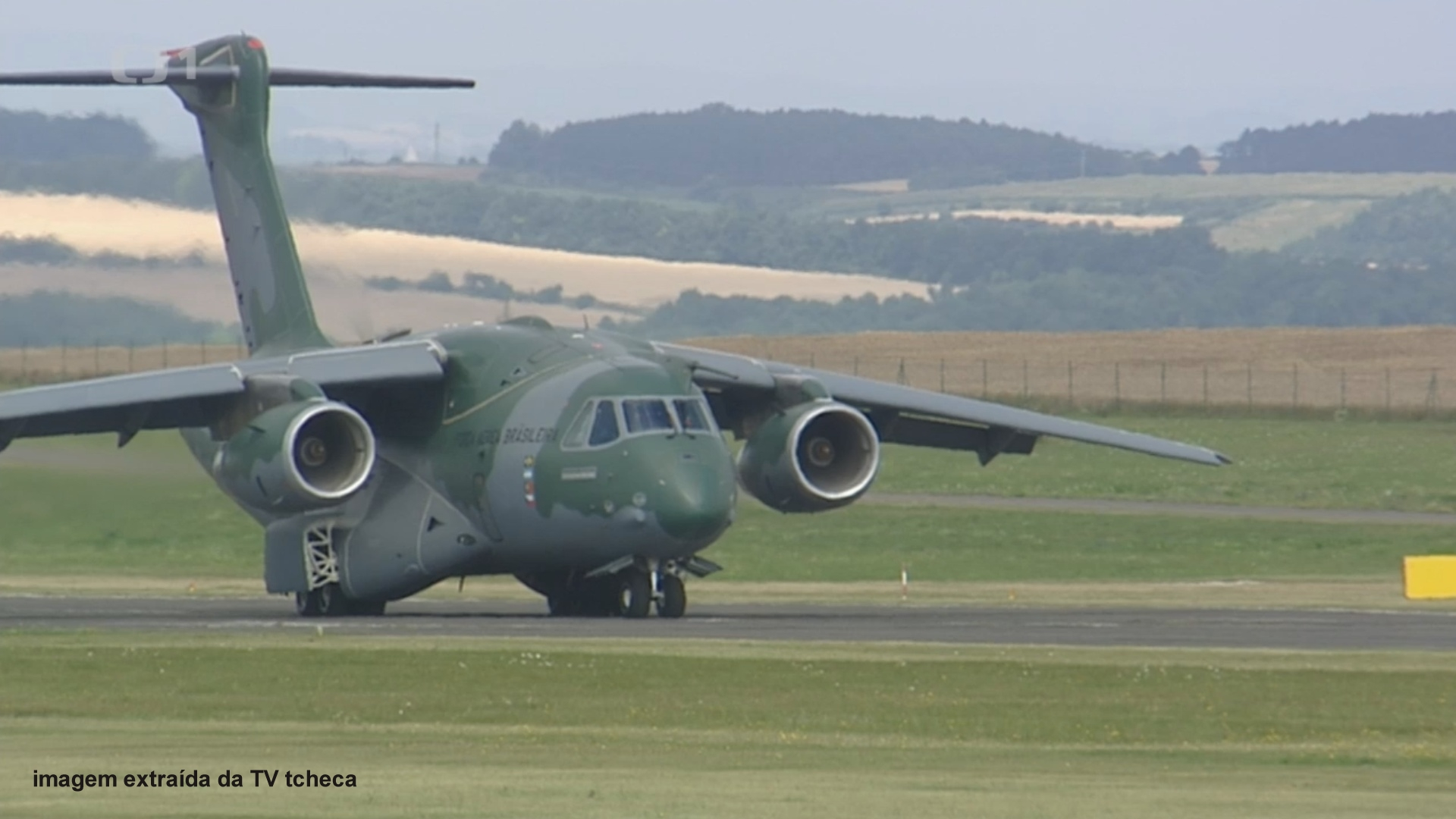 KC-390 foto TV tcheca03