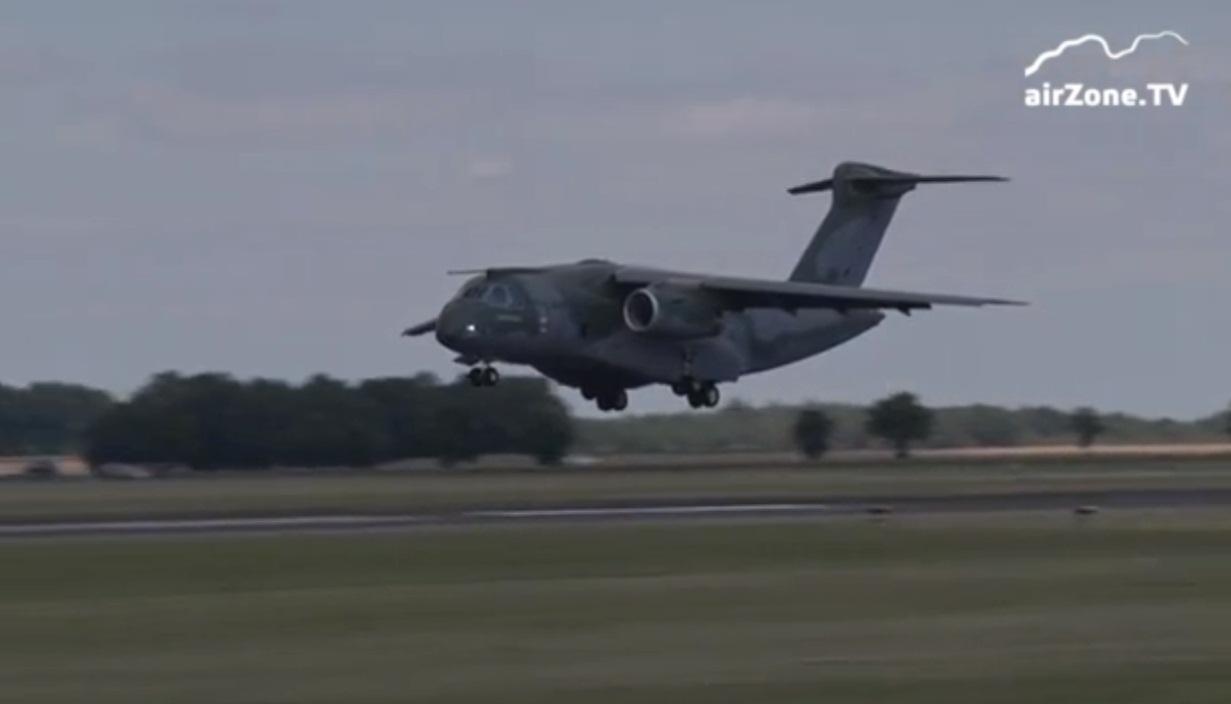 KC-390 na Republica Tcheca - cena 3 video Airzone TV