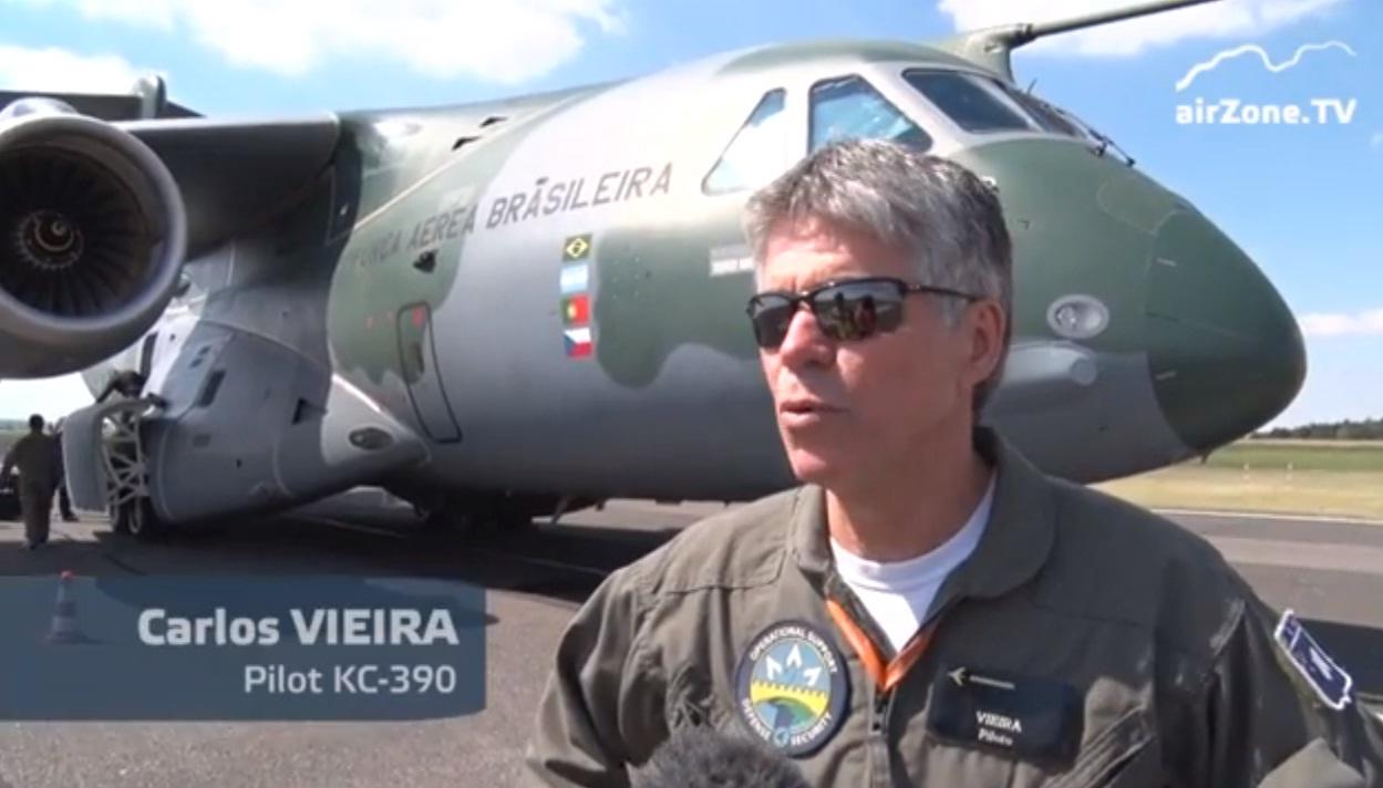 KC-390 na Republica Tcheca - cena video Airzone TV