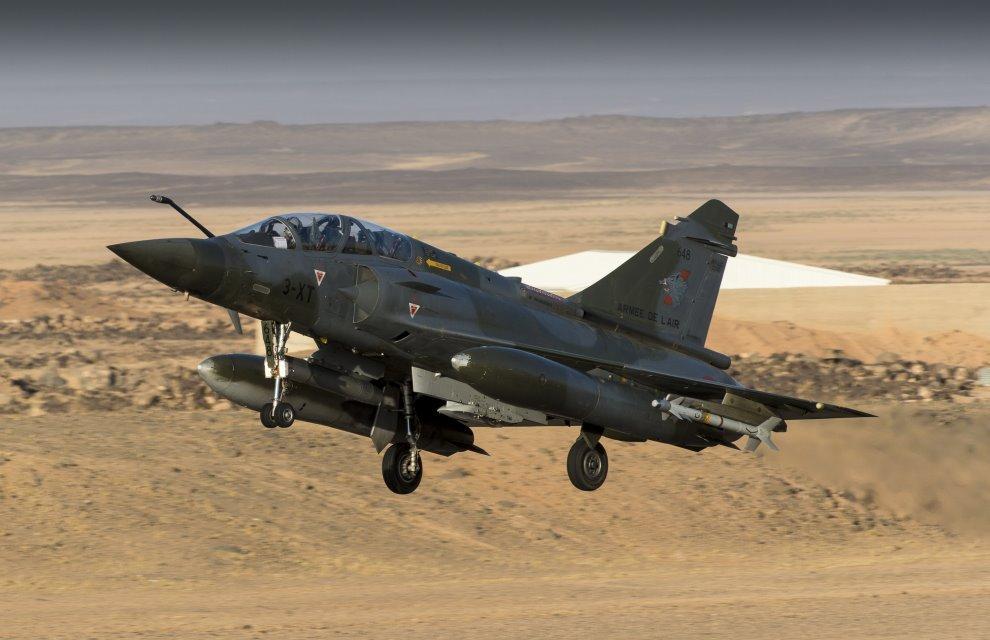 Operacao Chammal - Mirage 2000D em materia sobre ataque em 4-7-2016 - foto 2 MD Franca