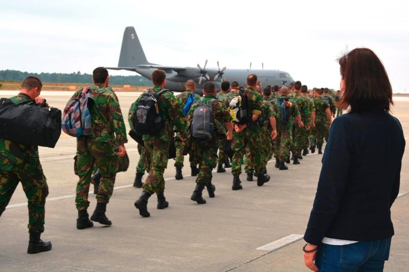 Partida terceira rotacao contingente FAP na Lituania - 30jun2016 - foto 3 Forca Aerea Portuguesa
