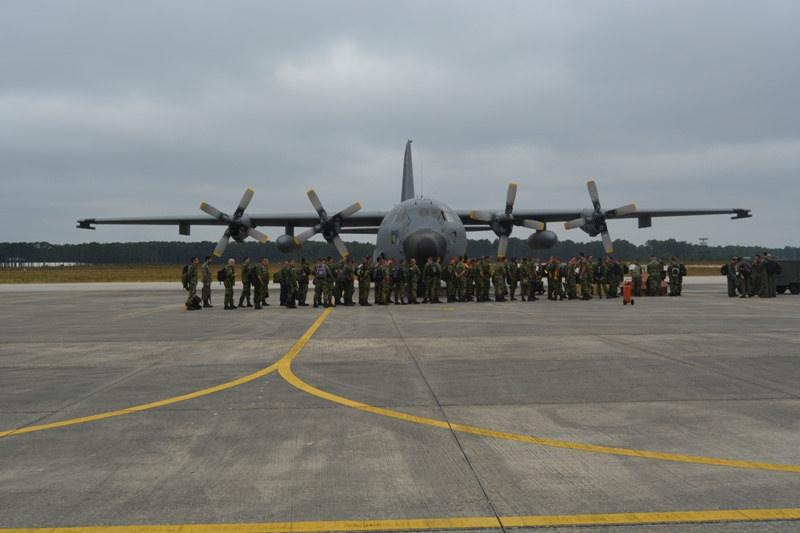 Partida terceira rotacao contingente FAP na Lituania - 30jun2016 - foto Forca Aerea Portuguesa