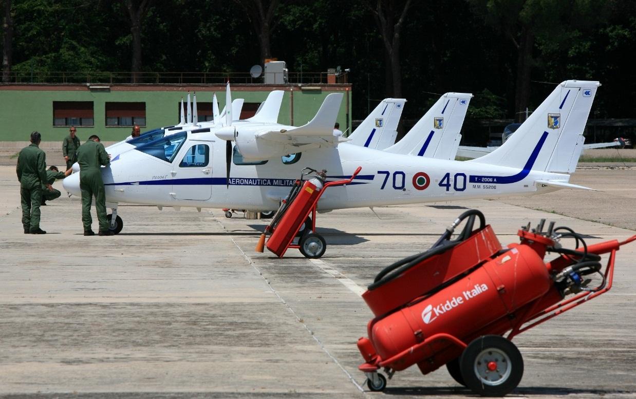 T-2006A no 70 Stormo - foto Forca Aerea Italiana