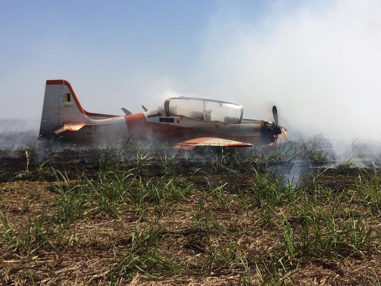 T-27 FAB acidentado em Pirassununga-SP - 2