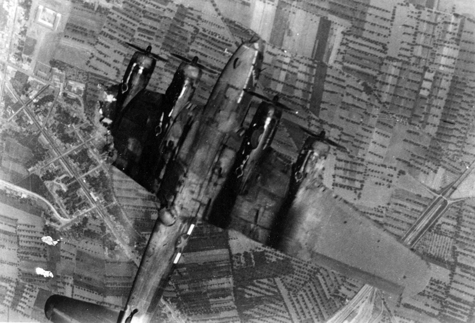 Boeing-B-17F-Flying-Fortress-shot-down-over-Europe