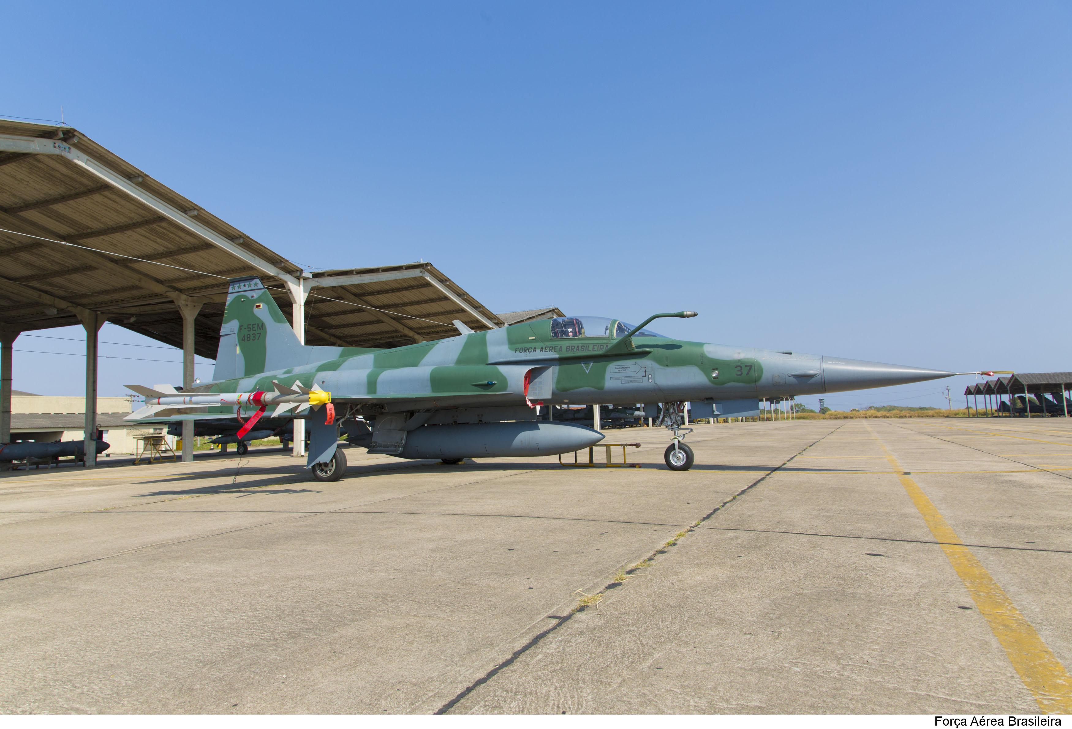 F-5 armados na BASC para as olimpiadas