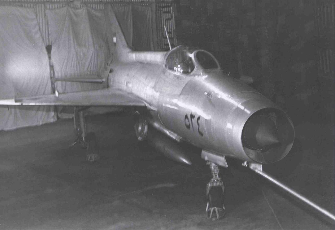 MiG-21 que deserdou para Israel 1 - foto IAF