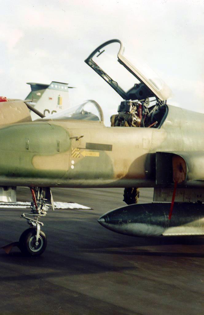 Cabine de um F-5 brasileiro