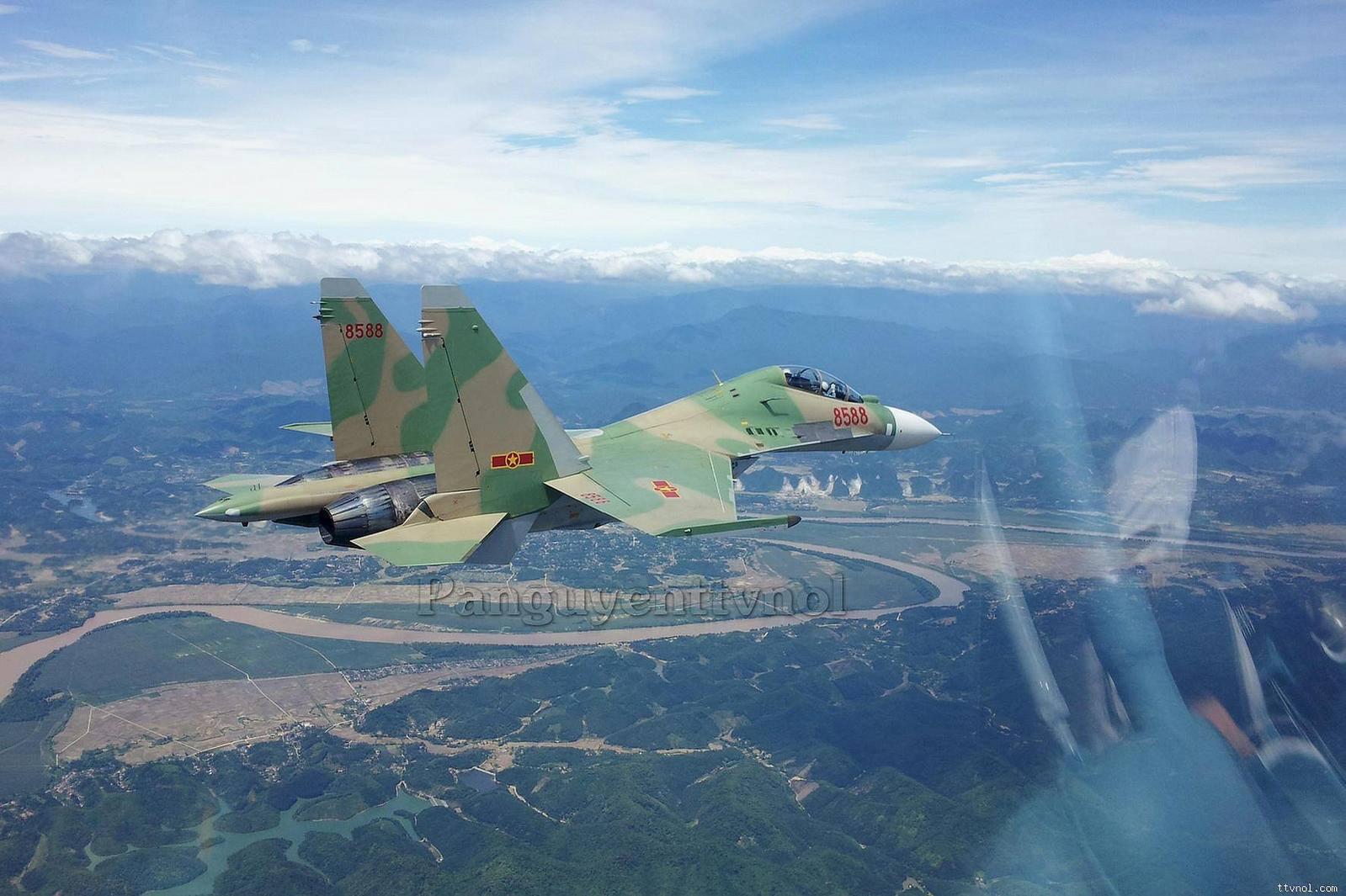 sukhoi-su-30mk2-vietnam-3