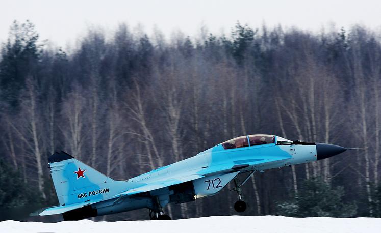 O Mikoyan MiG-35 realizando demonstração de voo em 27 de janeiro de 2017 - Fotos: Marina Lystseva/TASS