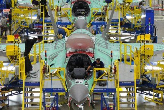 linha do montagem do F-35 - foto LM