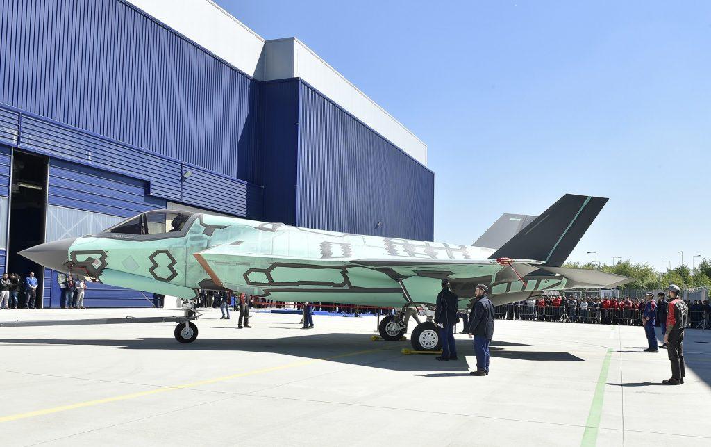 O primeiro F-35B produzido na FACO da Cameri, Itália. Foto: Aeronautica Militare/Lockheed Martin