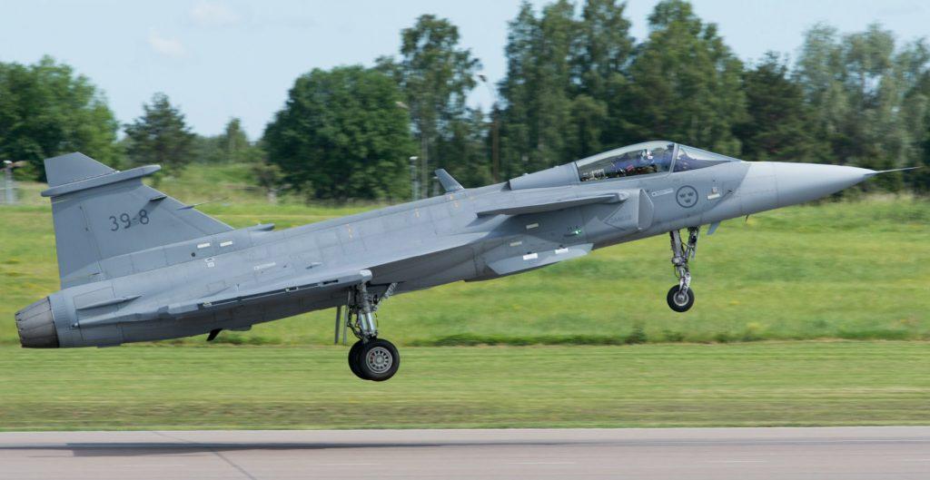 Caça Gripen E de nova geração da Saab. A Força Aérea Brasileira encomendou um primeiro lote de 36 aeronaves