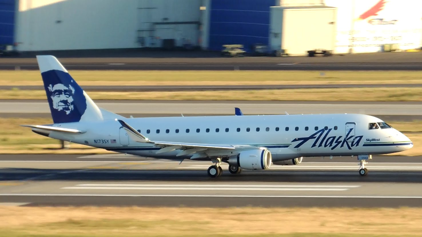 Embraer ERJ-175 da Alaska Airlines (SkyWest)
