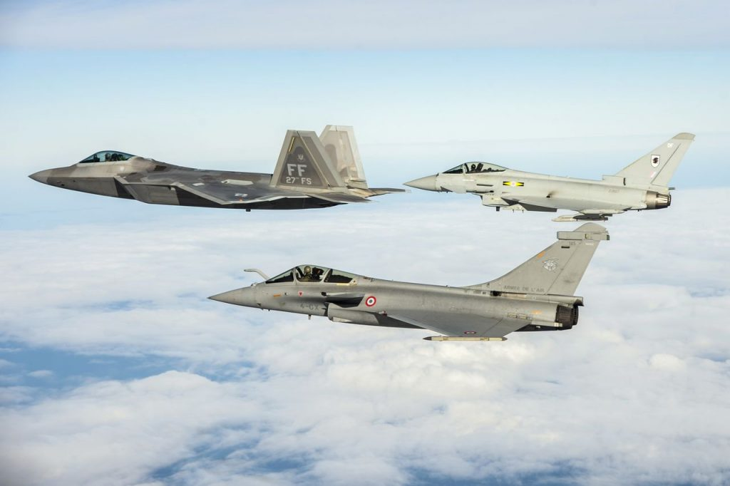 F-22 Raptor, Eurofighter e Rafale